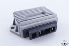 Spannungswandler Gleichrichter Lade Regler Vespa PK 50 - 125 3 Polig NEU *